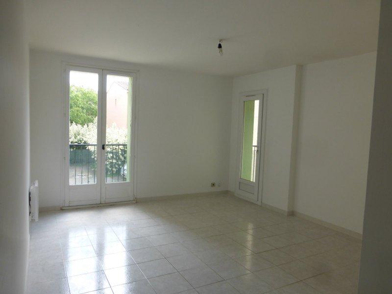 Location appartement 4 pièces garons 30128